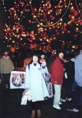 Hitomiとディズニーランド完全無修正写真