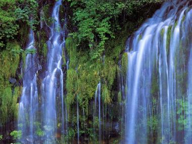 白糸の滝完全修正デジカメ写真画像