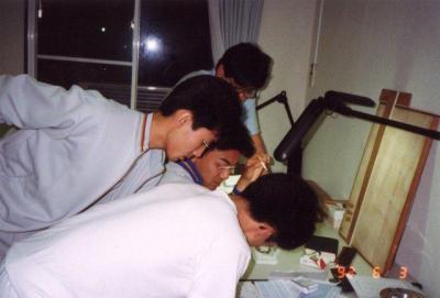 ナショナル住宅研修場での夜の勉強