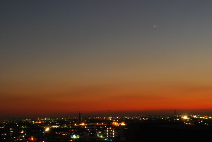 夕焼けと金星