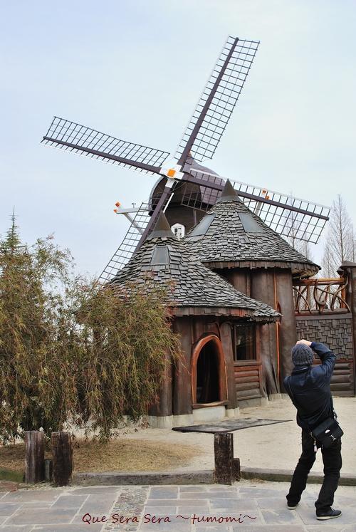 風車を撮るウナムさん