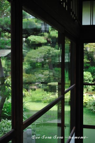 吹きガラスの窓