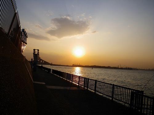 夕方の釣り堤防