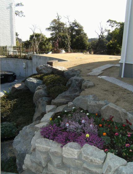 石組から芝庭031