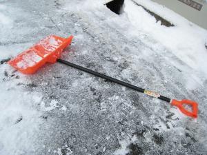 雪掻き用具、必需品です2