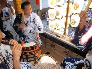 京都・祇園祭2009、宵々山・歩行者天国、菊水鉾「囃子方」1