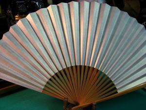 「京都五山送り火・大文字焼き」、十数年来愛用の扇子、祇園祭後=八月一杯愛用、2