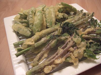 旬の野菜の天ぷら(アスパラ、さやえんどう、たらの芽)