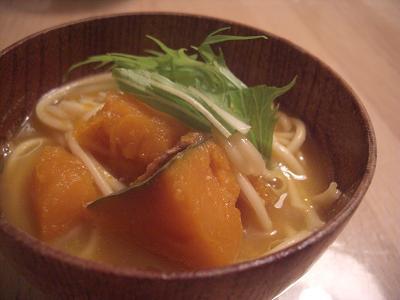 かぼちゃの味噌煮込みうどん