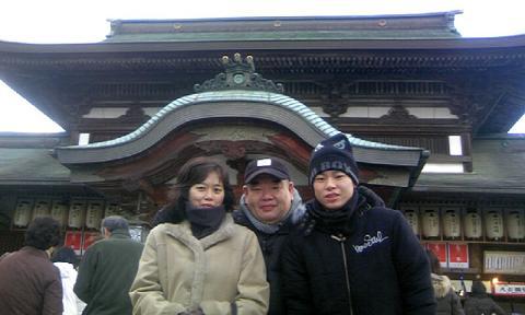 椿神社初詣60%