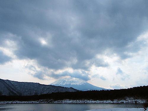 大雪前の西湖畔