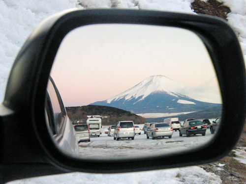 ドアミラーに富士山