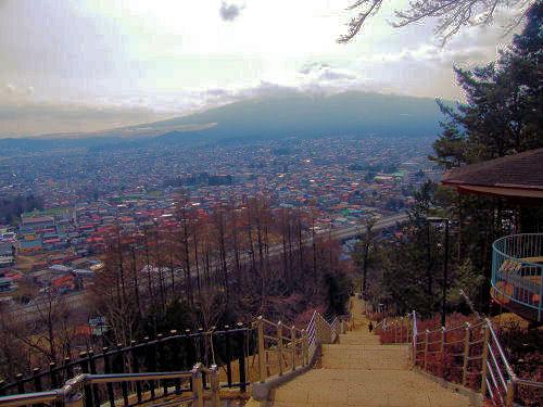 弥生、富士の春霞