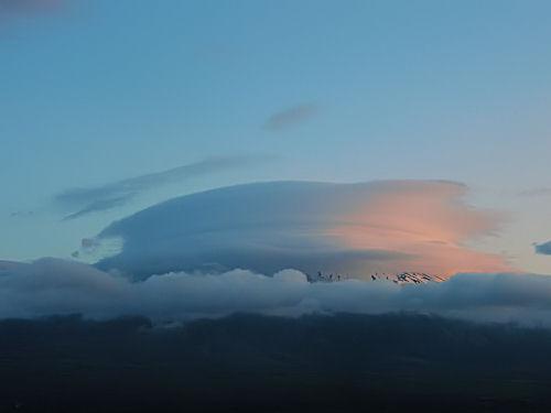 傘・傘の隠れ雲