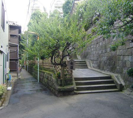 yushima jin side onna saka 01_R
