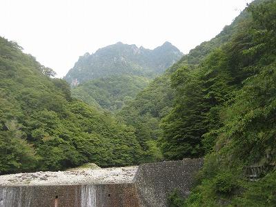 吊橋から鶏冠山
