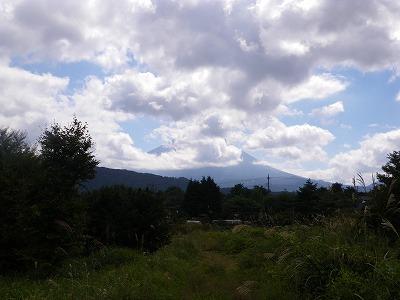 駐車場近くから富士山