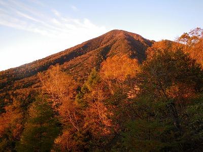 朝焼けの男体山2