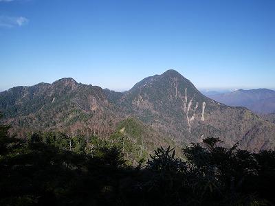 庚申山展望台から皇海山