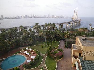 ホテルの部屋からの光景