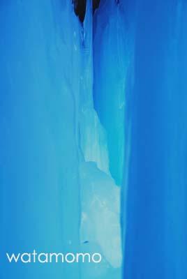 雷滝の氷柱