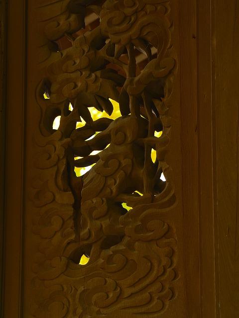 御霊神社のうさぎの木彫り