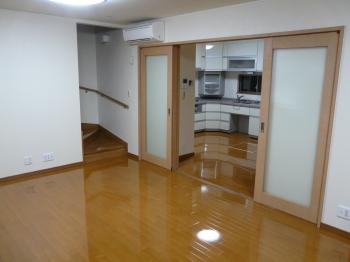 和室からキッチンへの撮影