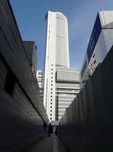 ツインタワーを南から