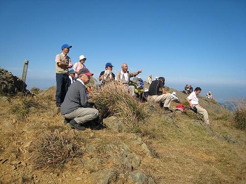 25山頂の登山者