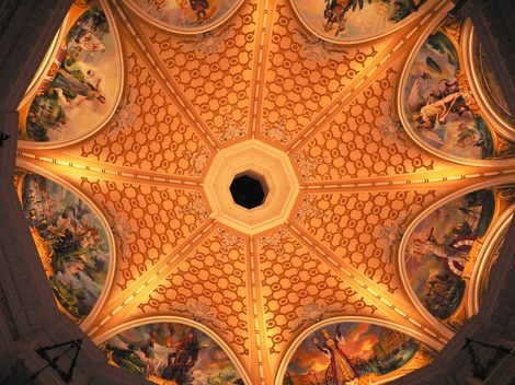 2005年 9月 ミラコロビー吹き抜け天井