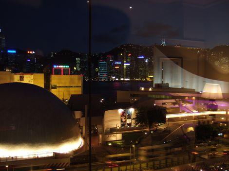 お部屋からの眺め 夜ペニンシュラ