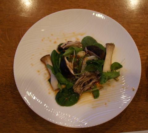 4色の焼き茸のサラダ