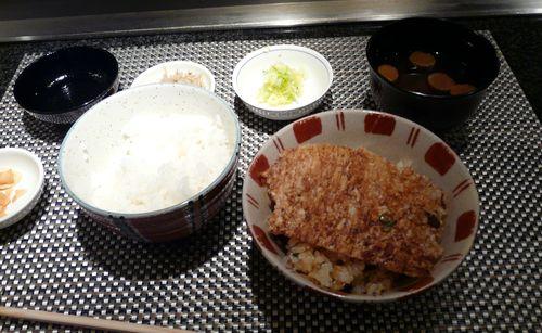 白米 とガーリックライス