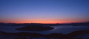 屈斜路湖の朝日
