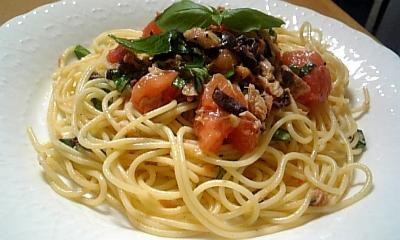 トマトとオリーブとツナのパスタ♪