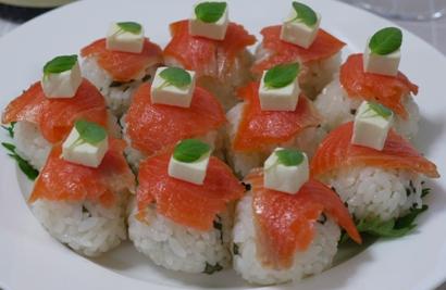 シソ香るサーモンのてまり寿司☆