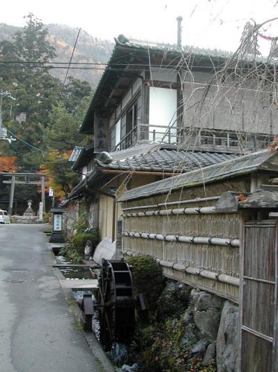 比良山荘(縦)