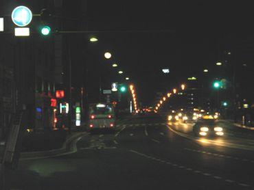 月と萬代橋